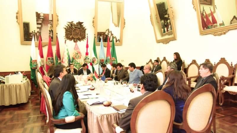 Exmagistrados Bacarreza y Valencia no fueron designados como nuevos vocales constitucionales