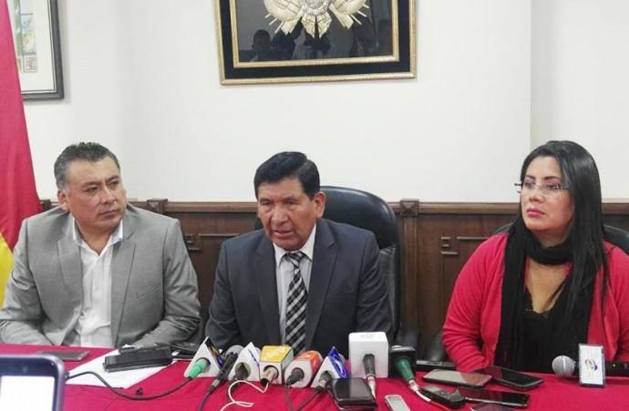 La conferencia de prensa del Consejo de la Magistratura este martes, en Sucre. FOTO: CORREO DEL SUR