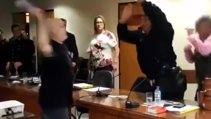 VIDEO: Se desata una trifulca en el Senado de Paraguay porque alguien quiso agradecer