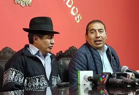 Los diputados Rafael Quispe y Wilson Santamaría.
