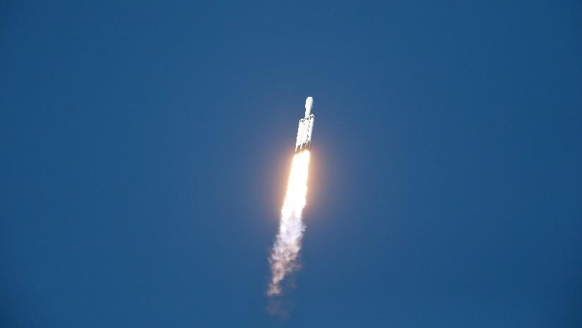 VIDEO: SpaceX realiza el primer lanzamiento comercial del Falcon Heavy, el cohete más potente del mundo