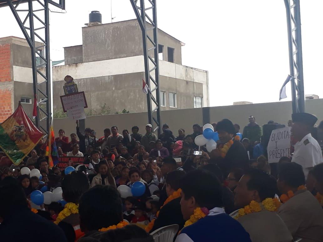 Evo firma contratos para la construcción de 4 nuevas unidades educativas en Tarija