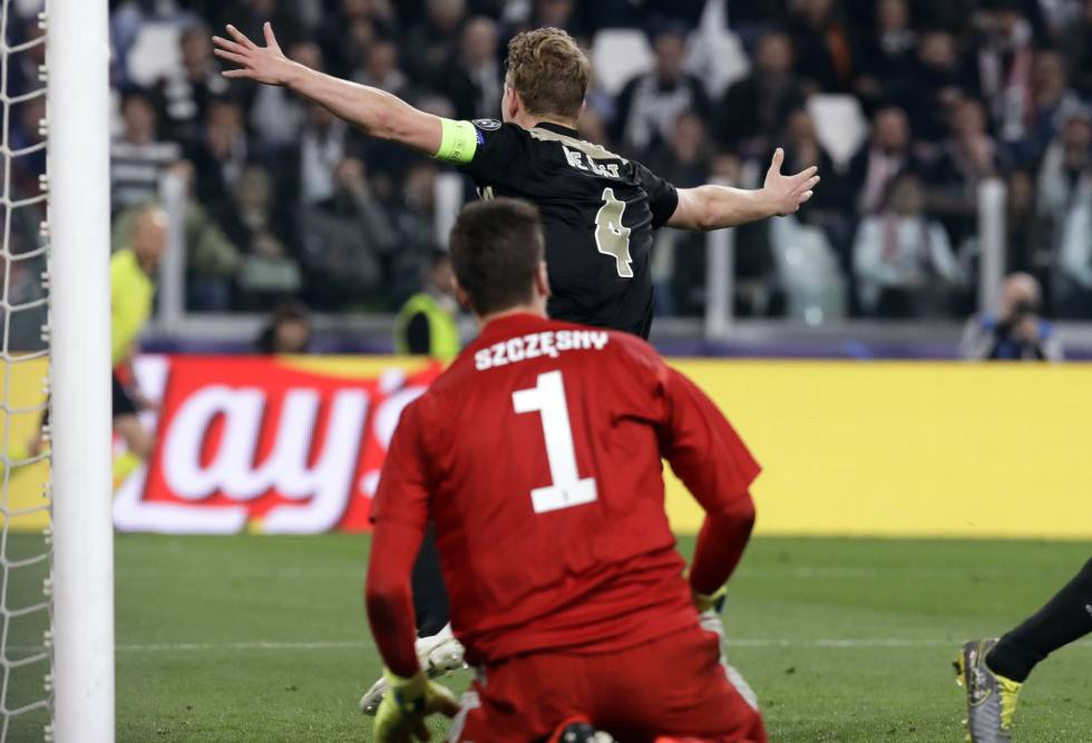 De Ligt celebra el segundo gol del Ajax en Turín.