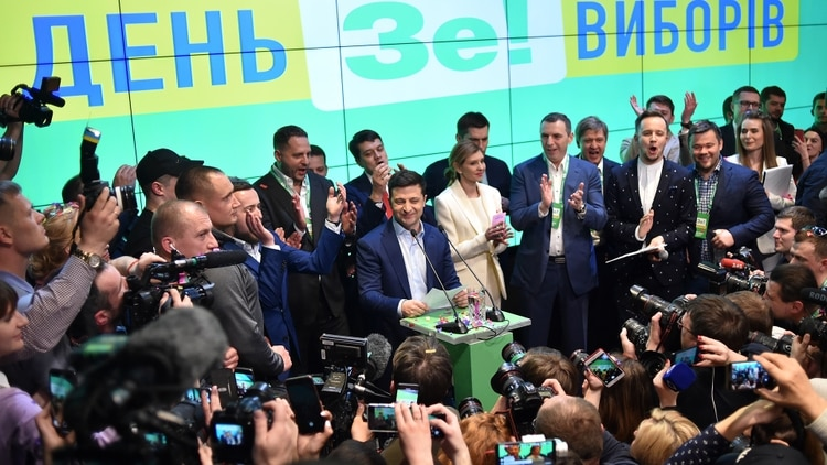 El flamante presidente de Ucrania aseguró que pretende mantener el rumbo prooccidental del país (Sergei GAPON / AFP)