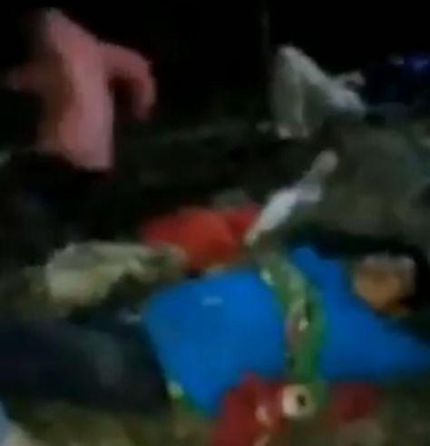 Uno de los heridos del accidente que fue rescatado por los comuniarios del lugar. Foto: RRSS