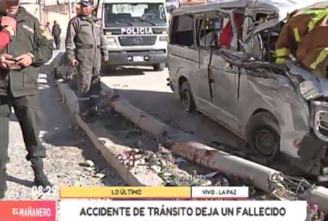 Accidente de transito: Cinco heridos y un fallecido tras choque de minibús contra un poste en la avenida Los Sargentos.