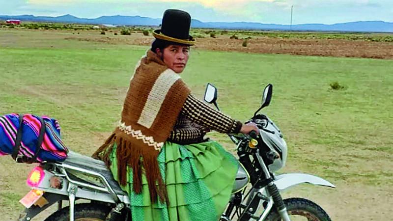 """Dictan suspensión """"definitiva"""" para la concejala de la moto"""