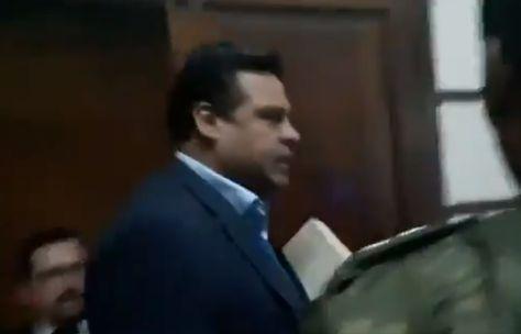 El alcalde de La Paz, Luis Revilla, ingresa a la Fiscalía.