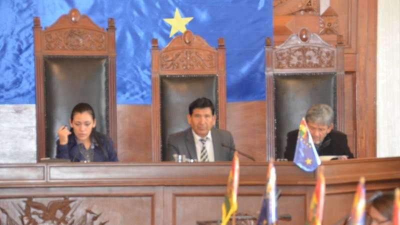 Esposa de Ceballos fue contratada por libre nombramiento en el Consejo de la Magistratura