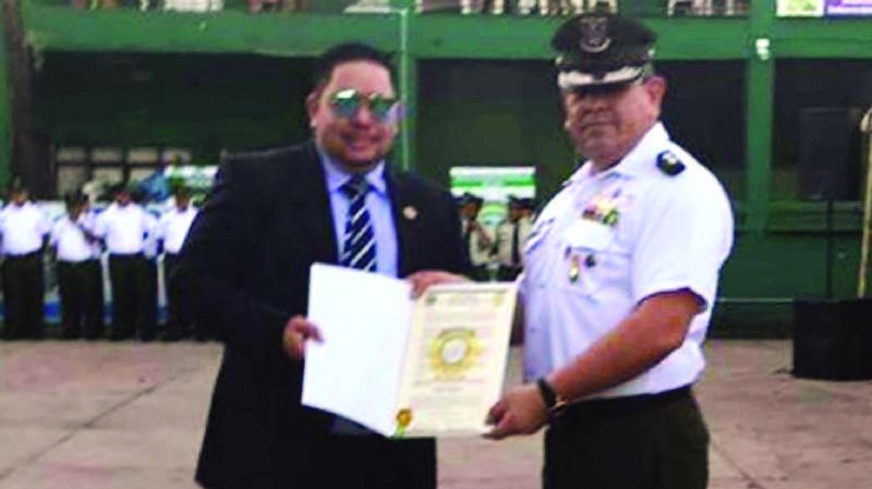Medina condecoró a narcotraficante Montenegro en la FELCC cruceña