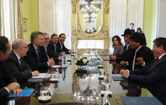 Resultado de imagen para reunion de Macri con Evo Morales abril 2019