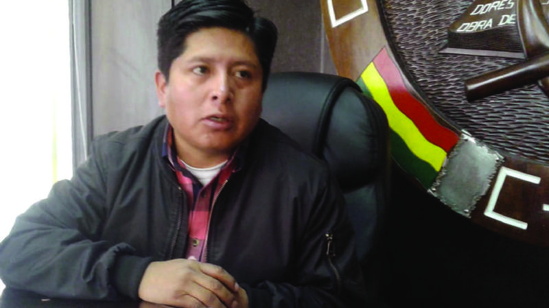 Indagan a dirigente de la COB por pedir cambio de policías