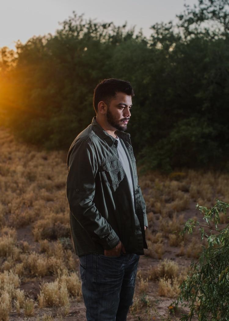 Jorge Molina en Goodyear, Arizona; los detectives lo arrestaron el año pasando porque, después de solicitar su ubicación a Google, lo vincularon a la investigación de un asesinato. (Alex Welsh/The New York Times)