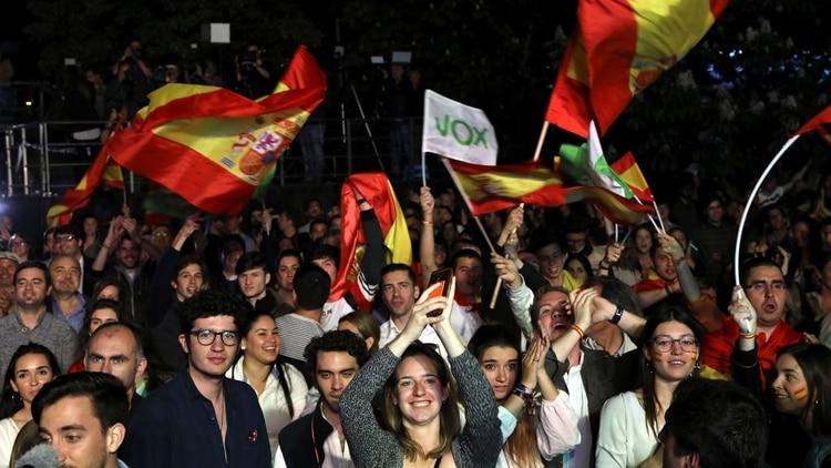 Simpatizantes de Vox, el partido ultraderechista que llegó al congreso(REUTERS/Susana Vera)