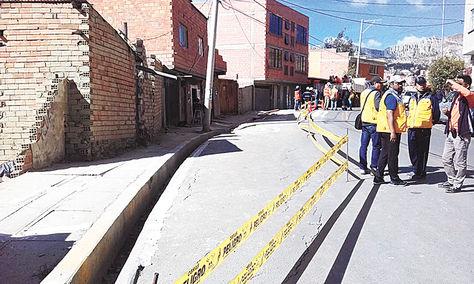 San Jorge. El derrumbe cerró 200 metros de la avenida Libertad. Foto: Willy Angelacio