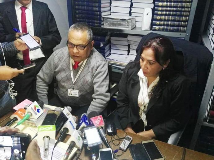 La conferencia de los fiscales que revisan el caso del magistrado Orlando Ceballos. FOTO: CORREO DEL SUR