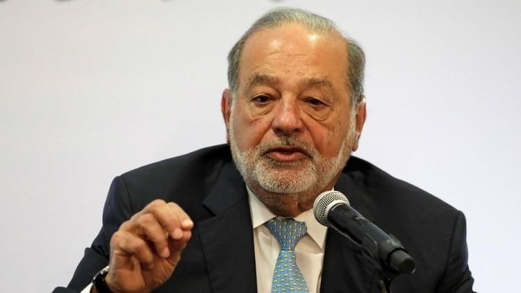 El multimillonario mexicano Carlos Slim, durante la conferencia en la que defendió las obras del nuevo aeropuerto, en la que él tiene contratos. (Foto: Reuters)