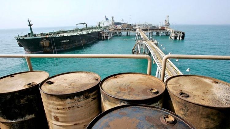 Irán cerrará el estrecho de Ormuz si le impiden utilizarlo para trasportar petróleo
