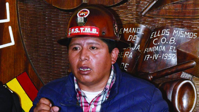 Huarachi niega acusaciones de tráfico de influencias en la Policía