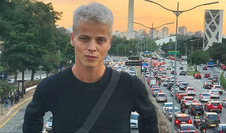 El modelo brasileño Tales Cotta tenía 26 años