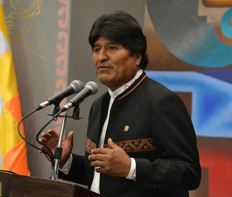 El presidente Evo Morales brinda declaraciones durante al acto de posesión del nuevo comandante de la Policía. Foto: ABI