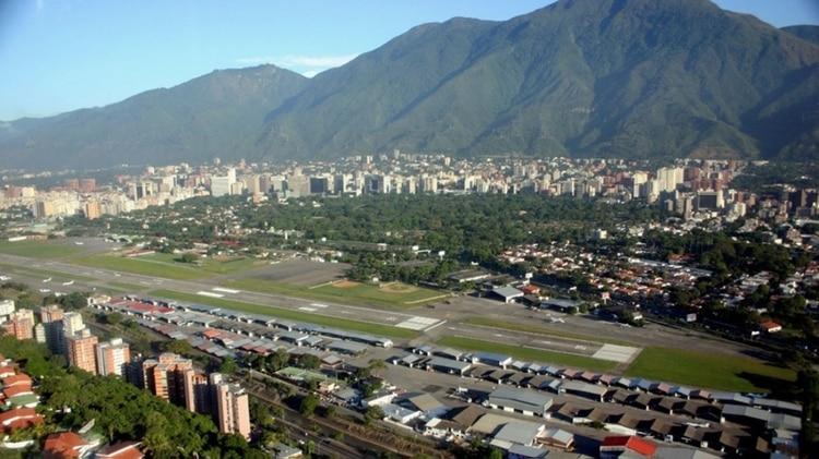 La Base Aérea Generalísimo Francisco de Miranda, conocida como La Carlota