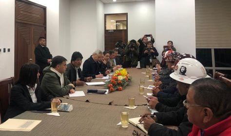 La reunión del presidente Morales con los dirigentes de la COB.