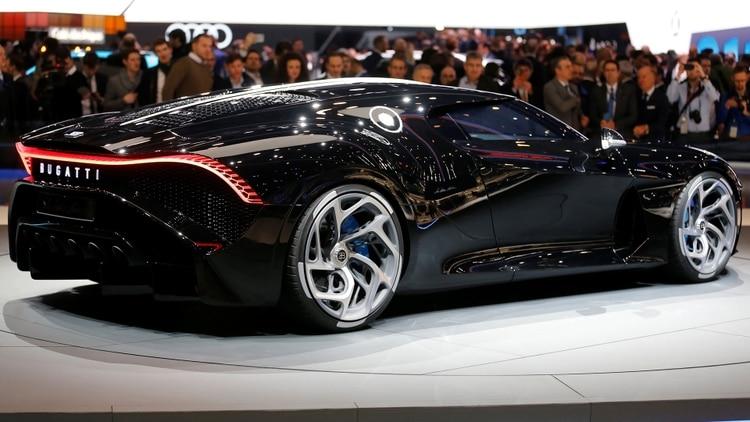'La Voiture Noire' alcanza los 420 kilómetros por hora (Reuters)