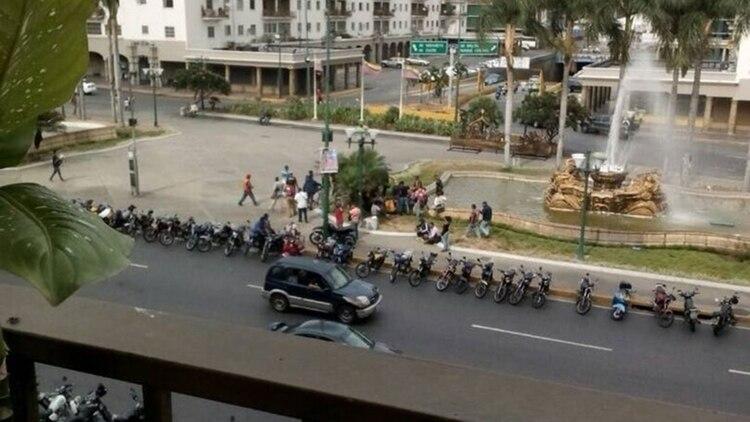 Una gran número de motocicletas listas para la represión (archivo)