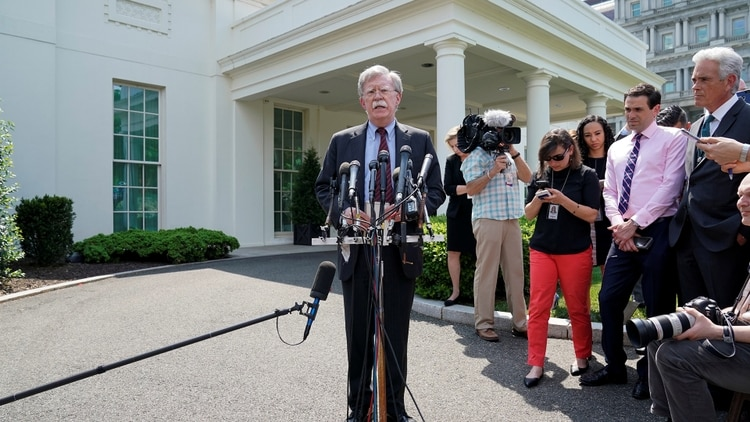 John Bolton brindó una conferencia desde la Casa Blanca(REUTERS/Joshua Roberts)