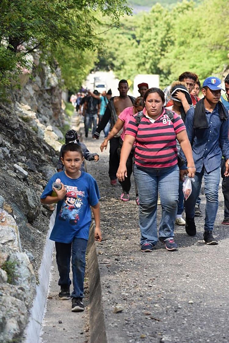 Miles de niños migran anualmente, arriesgando su vida (Foto: AFP)