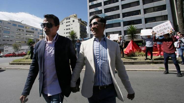 Javier BenalcazaryEfrain Soria (AP Photo/Dolores Ochoa)