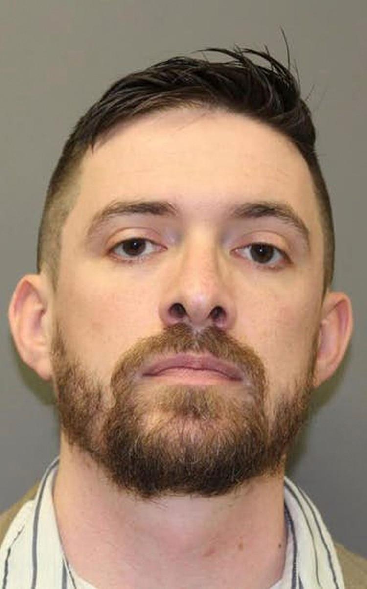Matthew Tonne, que era el ministro asociado para los niños de la iglesia, fue arrestado por cargos de conducta sexual inapropiada con la hija de Bragg. (Dallas County Jail via Teh New York Times)