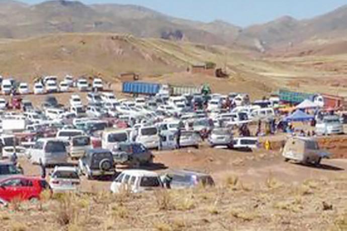 Comunarios frenan venta ilegal de chutos  en Pampa Colorada