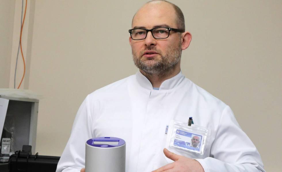 Denís Rebrikov en su laboratorio.