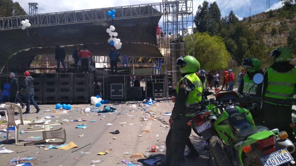 La avenida tras el acto de cierre de campaña