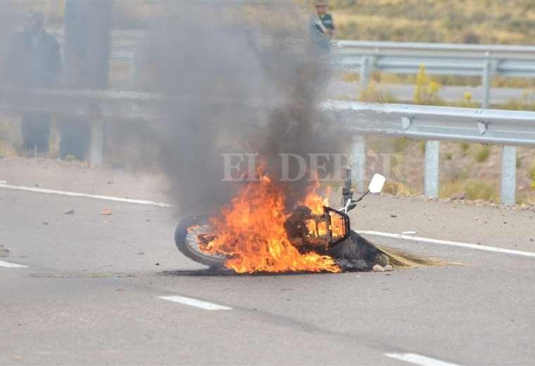 Emboscada en la carretera Oruro - La Paz