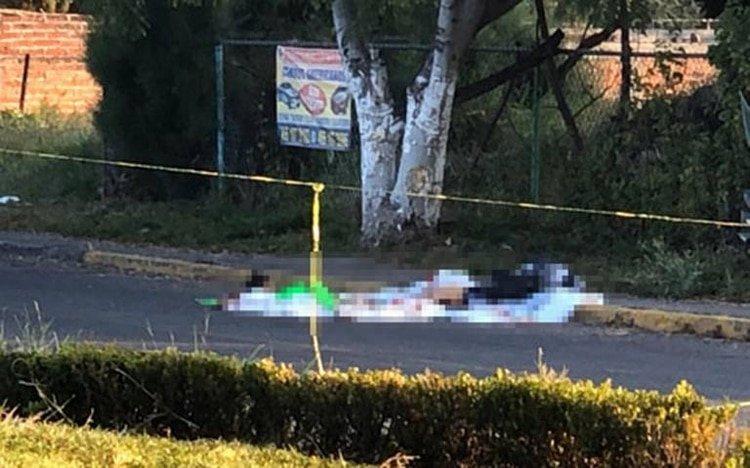 Un paciente fue sustraído de una clínica en Guanajuato. Su cuerpo sin vida apareció en plena vía pública (Foto: Especial)