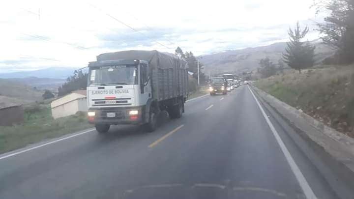 La radio Kausachun Coca, de propiedad de los cocaleros del Chapare, difundió esta fotografía alertando de la presencia de militares en la zona.