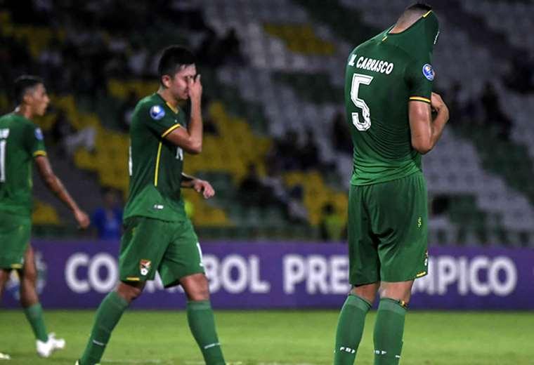 Los jugadores de la selección boliviana terminaron golpeados.Foto: AFP