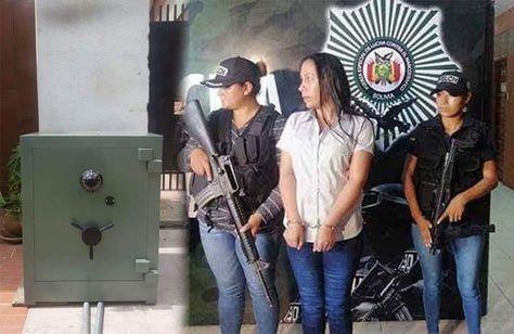 Imagen de una caja fuerte y Dora Vallejos.