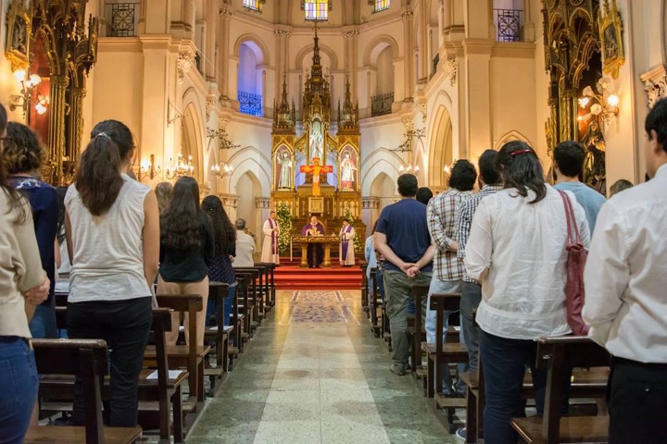 Resultado de imagen para misas iglesia catolica Bolivia