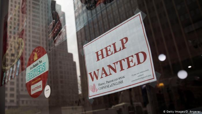 Foto de anuncio de empleo en EE. UU.