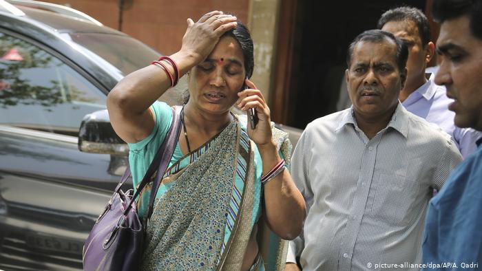 Indien | Oberstes Gericht bestätigt Todesstrafe für die Vergewaltiger von Jyoti Singh (picture-alliance/dpa/AP/A. Qadri)