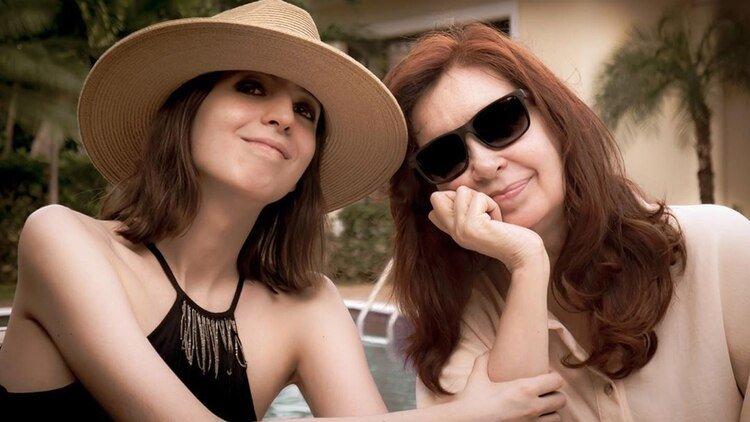 Florencia y Cristina Kirchner, juntas en Cuba,. Regreserán al país en las próximas horas