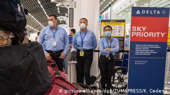 Honduras | Coronavirus | San Pedro Sula Airport (picture-alliance/dpa/ZUMAPRESS/K. Cedeno)