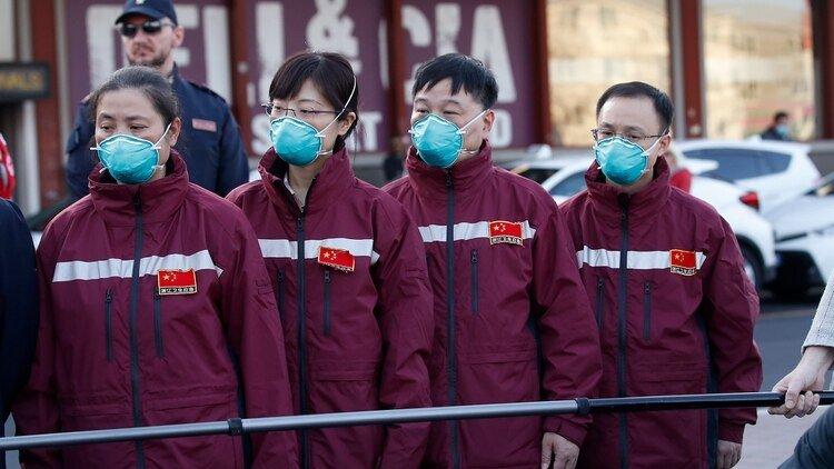 Médicos chinos viajan a Italia