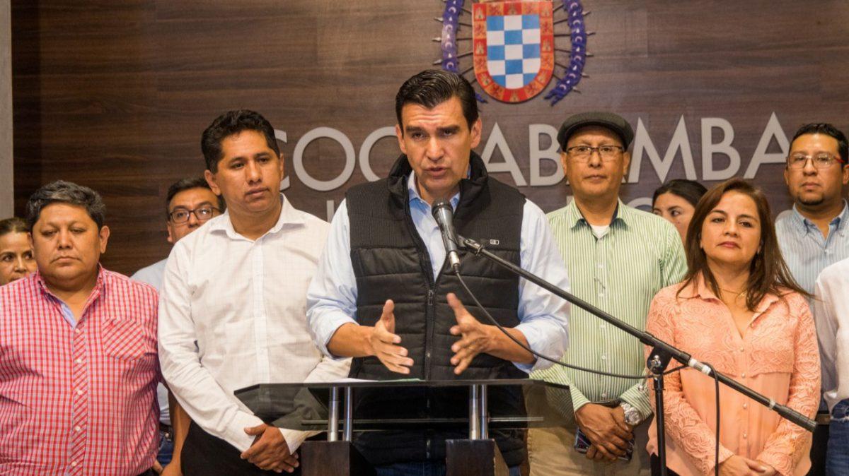 El alcalde José María Leyes, durante una conferencia de prensa en la Alcaldía.