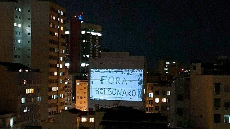 Por octavo día consecutivo, Bolsonaro enfrentó cacerolazos en varias ciudades de Brasil