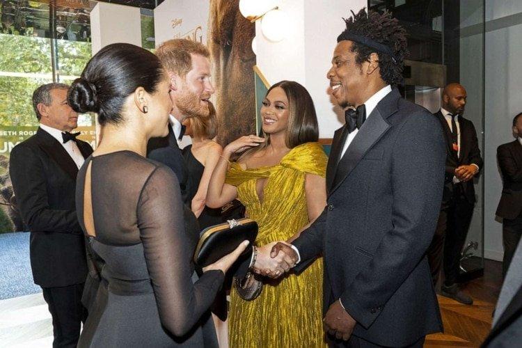 Los duques de Sussex con Beyoncé y Jay-Z durante el estreno de